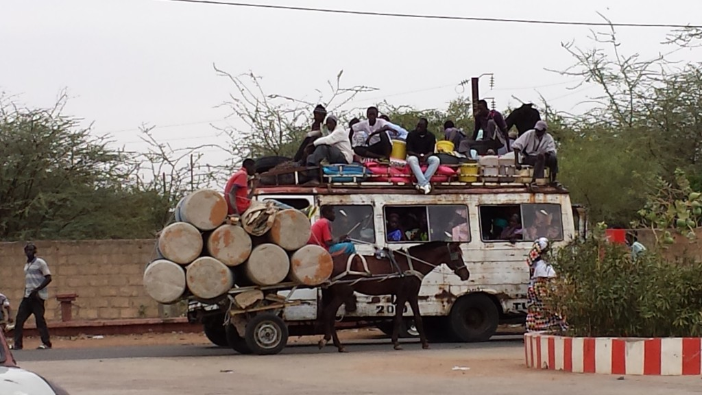 African Road Trip, Holly Cow, Martyna Skura, lifein20kg, Senegal, transport w Senegalu