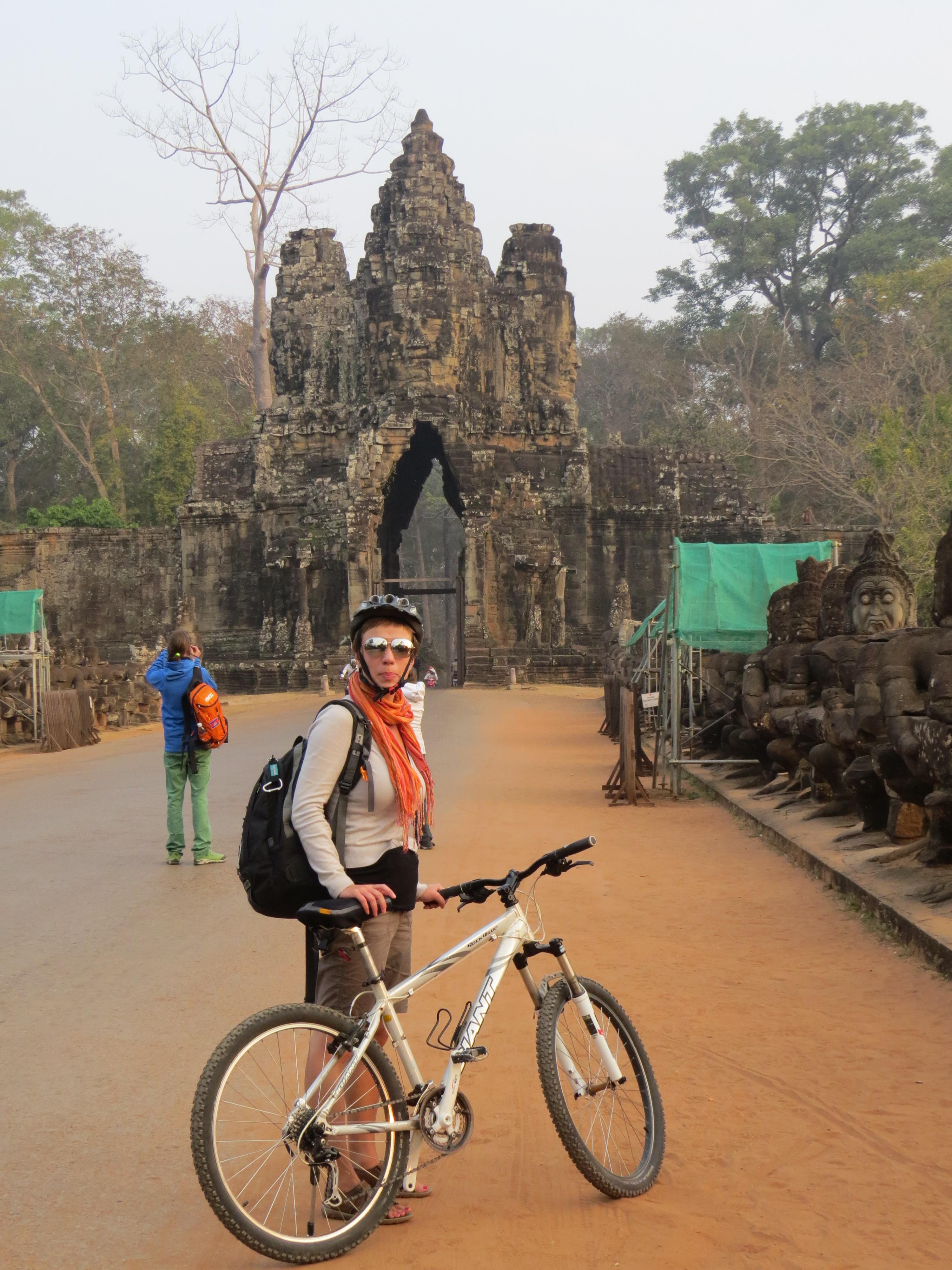 Angkor Wat, Kambodża, rowerem w Azji