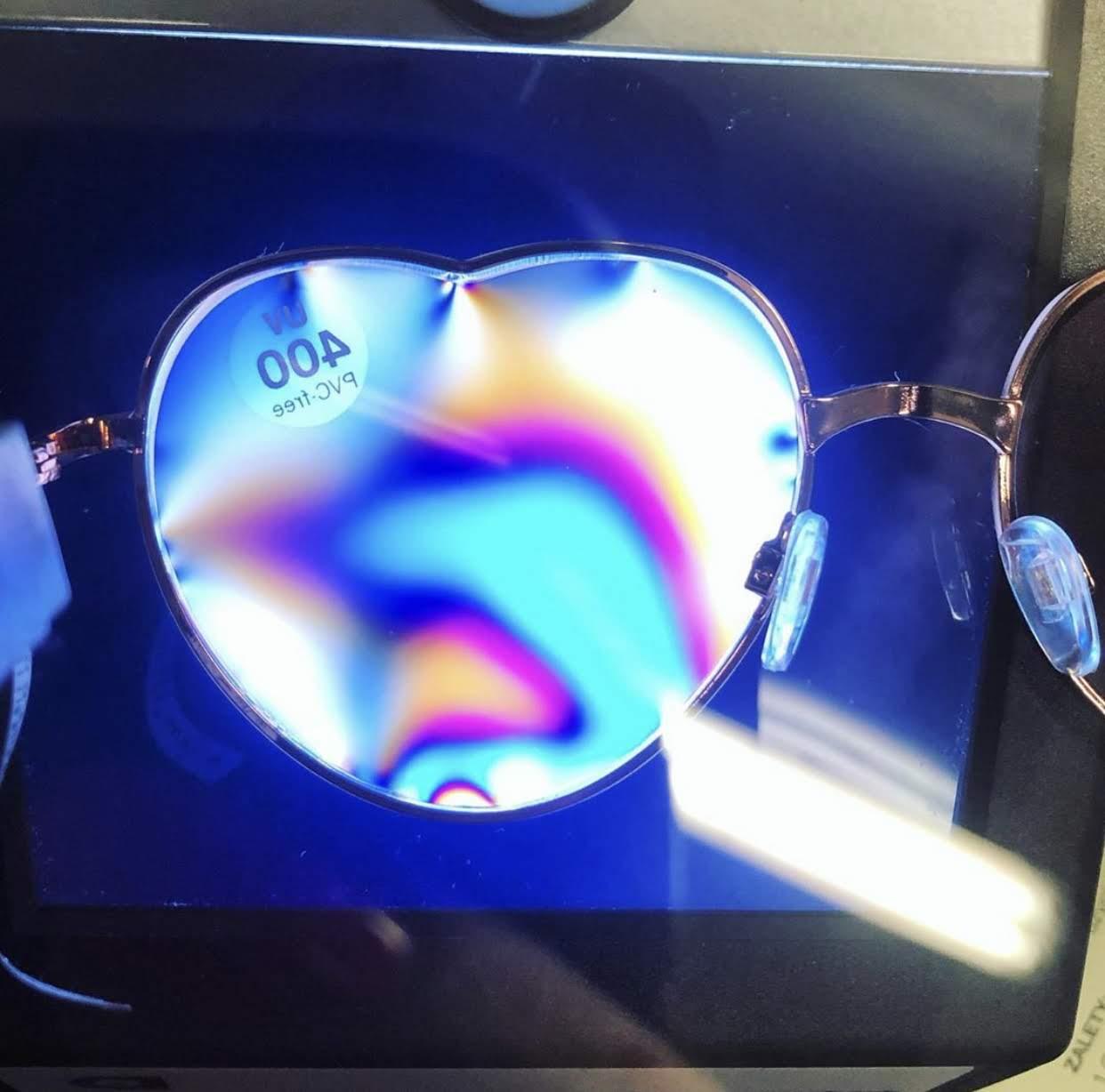 Jak wybrać okulary przeciwsłoneczne [źródło: dbajowzrok]
